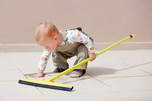 Toddler-Cleaning-Floor